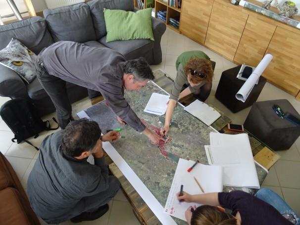 Working group debates on proposed maps/Grupa debatira o predloženim kartama